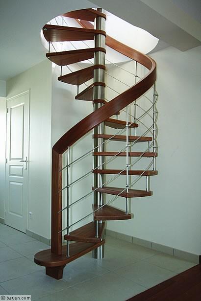 treppen f r individualisten treppe und treppen ausbau innenausbau. Black Bedroom Furniture Sets. Home Design Ideas