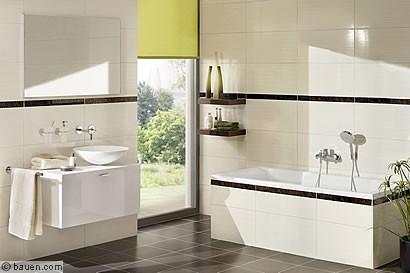 Eine Zeitlos Schöne Und Wohnliche Badgestaltung Gelingt Mit Dezenten  Naturtönen Und Sanften Oberflächenstrukturen. Foto: