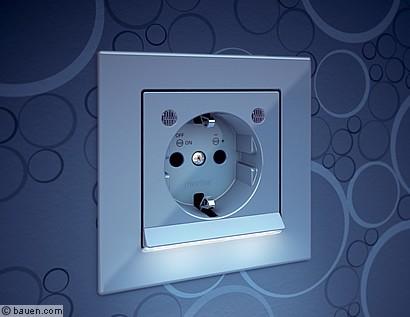 Lichtschalter Mit Led Beleuchtung | Led Steckdosen Sorgen Fur Sicherheit Bauen Com
