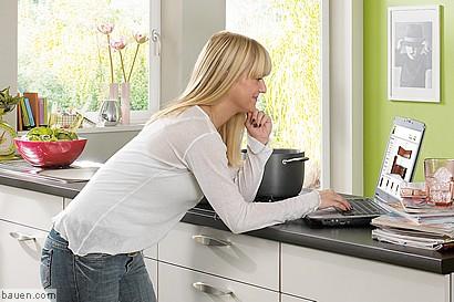 was man bei der eigenen k chenplanung mit einem 3d planer. Black Bedroom Furniture Sets. Home Design Ideas