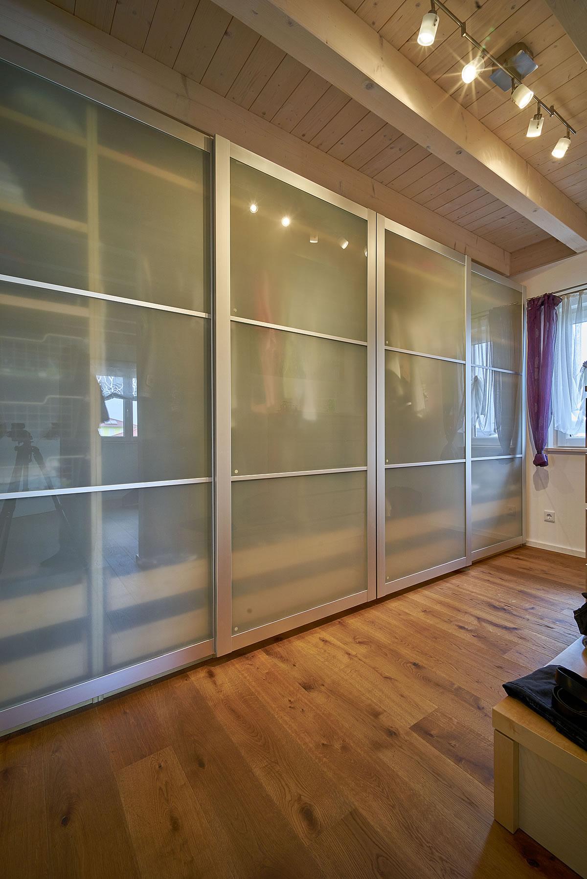 wohnkomfort auf zwei vollgeschossen. Black Bedroom Furniture Sets. Home Design Ideas