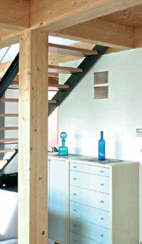 Durch die Anbringung der Design-Luftdurchlässe im oberen Wandbereich ist man bei der Möblierung nicht beschränkt. Foto: CPZ