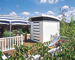 Attraktiv in blau und weiß: Das Design Gartenhaus Milano begeistert durch seine ausgefallene Architektur. - Foto: Hillhout