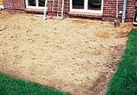 arbeitsanleitung f r eine aufgest nderte terrasse. Black Bedroom Furniture Sets. Home Design Ideas