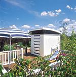 Attraktiv in blau und weiß: Das Design Gartenhaus Milano begeistert durch seine ausgefallene Architektur - Foto: products4home