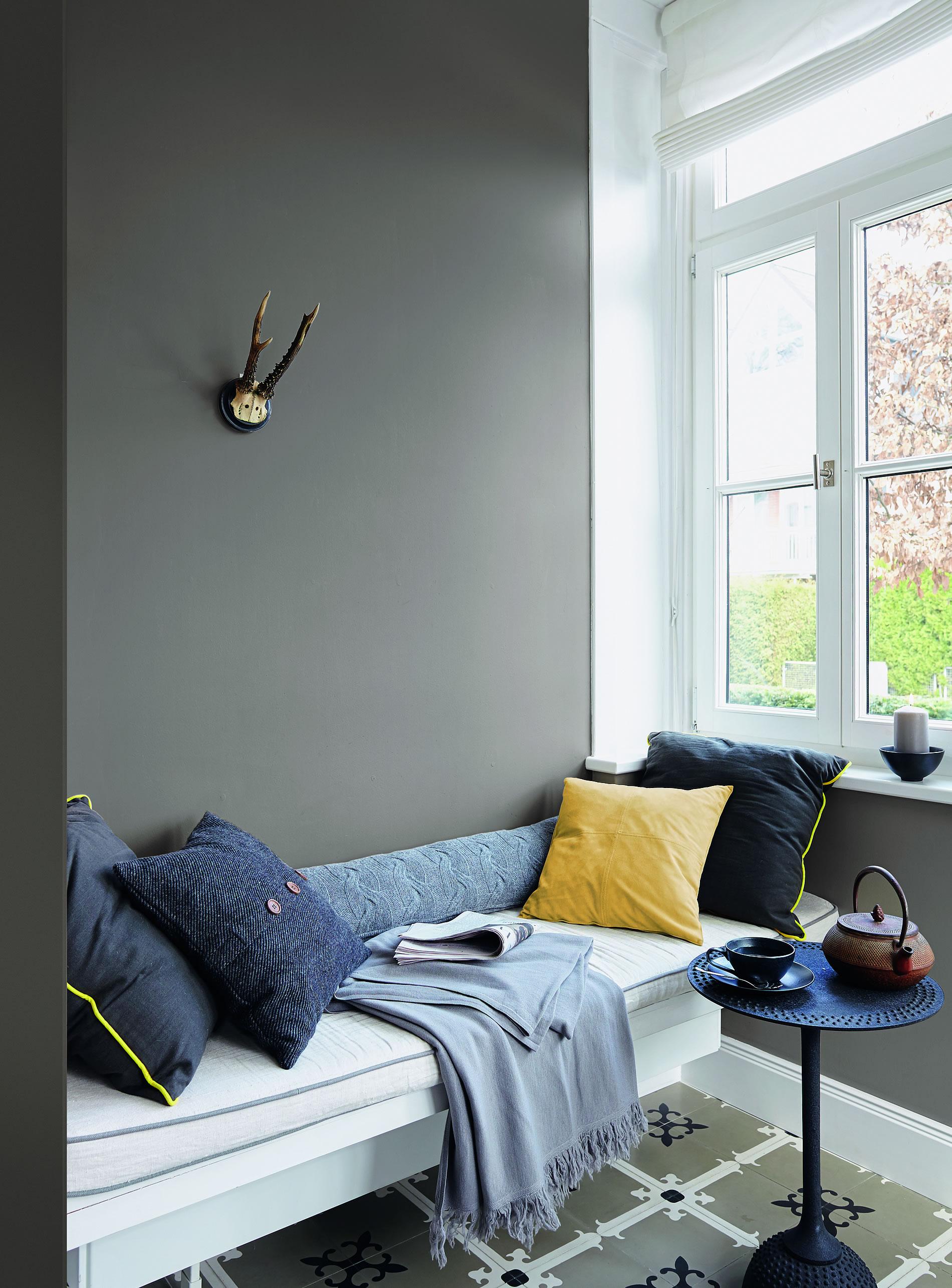 Helle Räume Sind Typisch Für Den Skandinavischen Stil. In Verbindung Mit  Natürlichen Textilien Und Metallischen