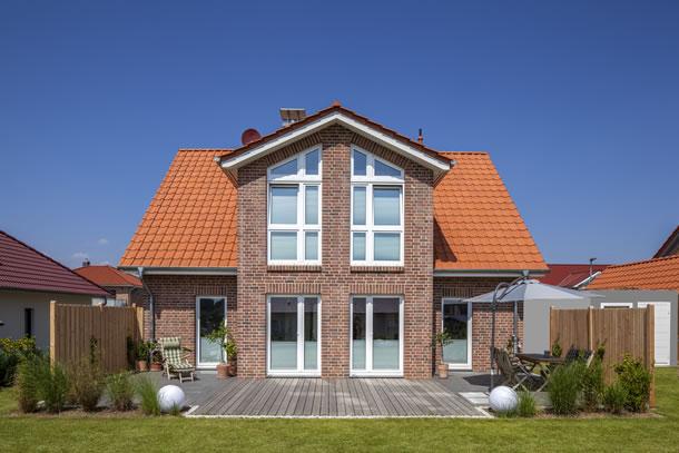 Clemens von baumeister haus kooperation e v for Haus bauen muster